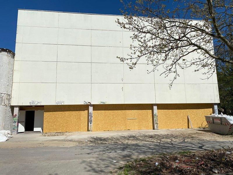 Turnhalle-Haupteingang1